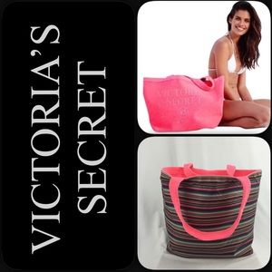 🆕😍Victoria's Secret reversible tote beach bag